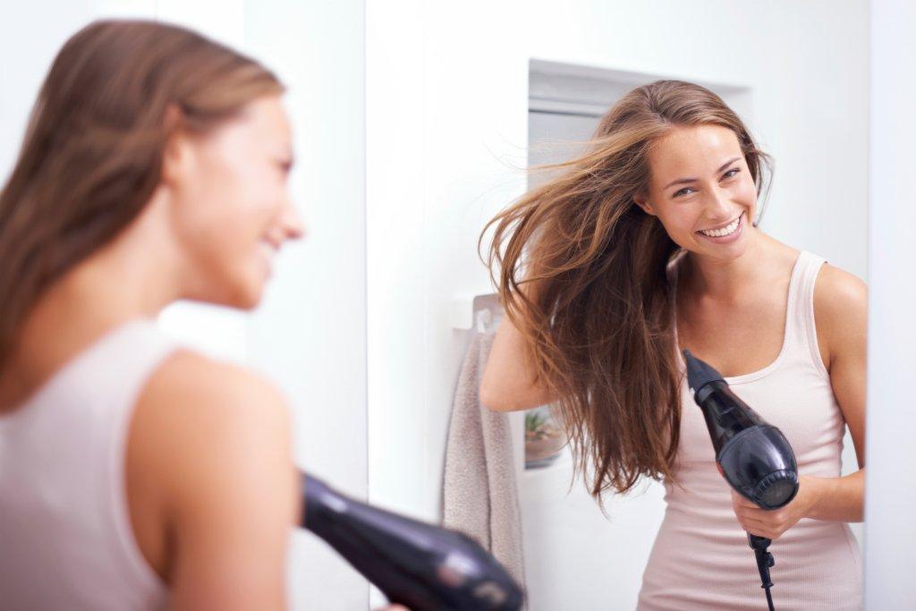Styling-Tipps: So föhnen Sie ihre Haare richtig - Bild der Frau