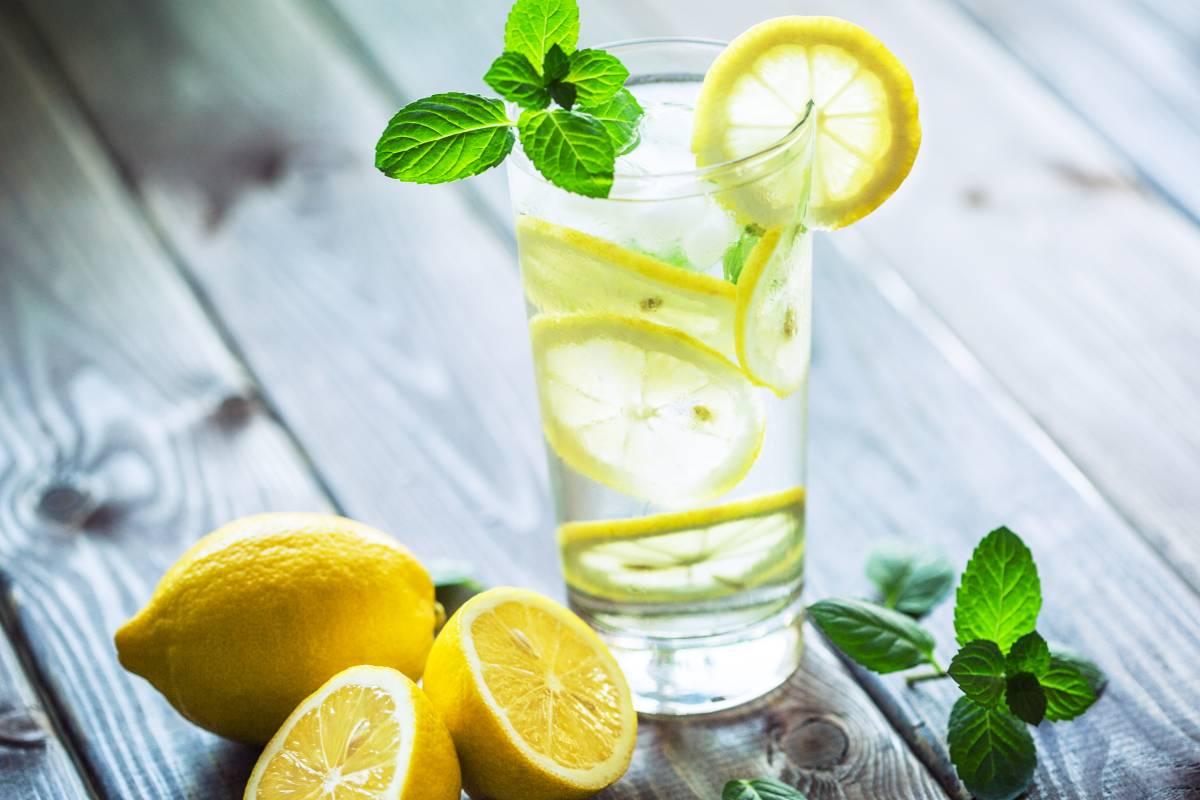 Wie man mit Zitrone und Olivenöl abnehmen kann