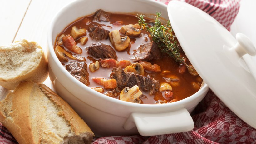 kalorien tabelle deftige suppen und eint pfe bild der frau. Black Bedroom Furniture Sets. Home Design Ideas