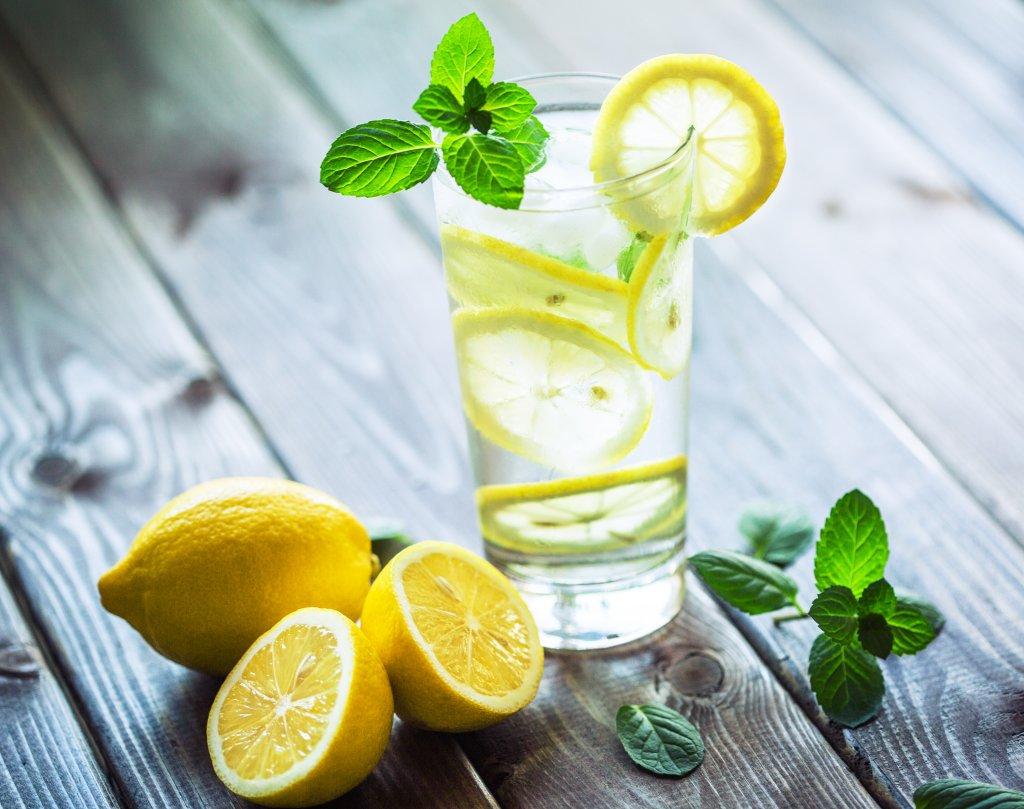 Das Geheimnis der Zitronendiät: Gesund & schlank durch Vitamin C ...
