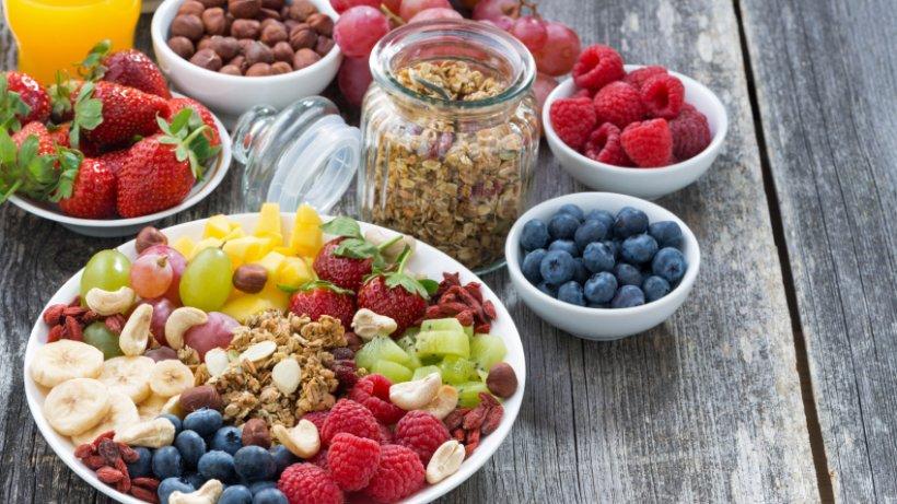 kalorienarme snacks gegen den kleinen hunger bild der frau. Black Bedroom Furniture Sets. Home Design Ideas