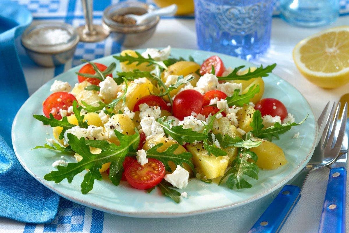 Schnelles Rezept für Kartoffel-Rauke-Salat mit Feta