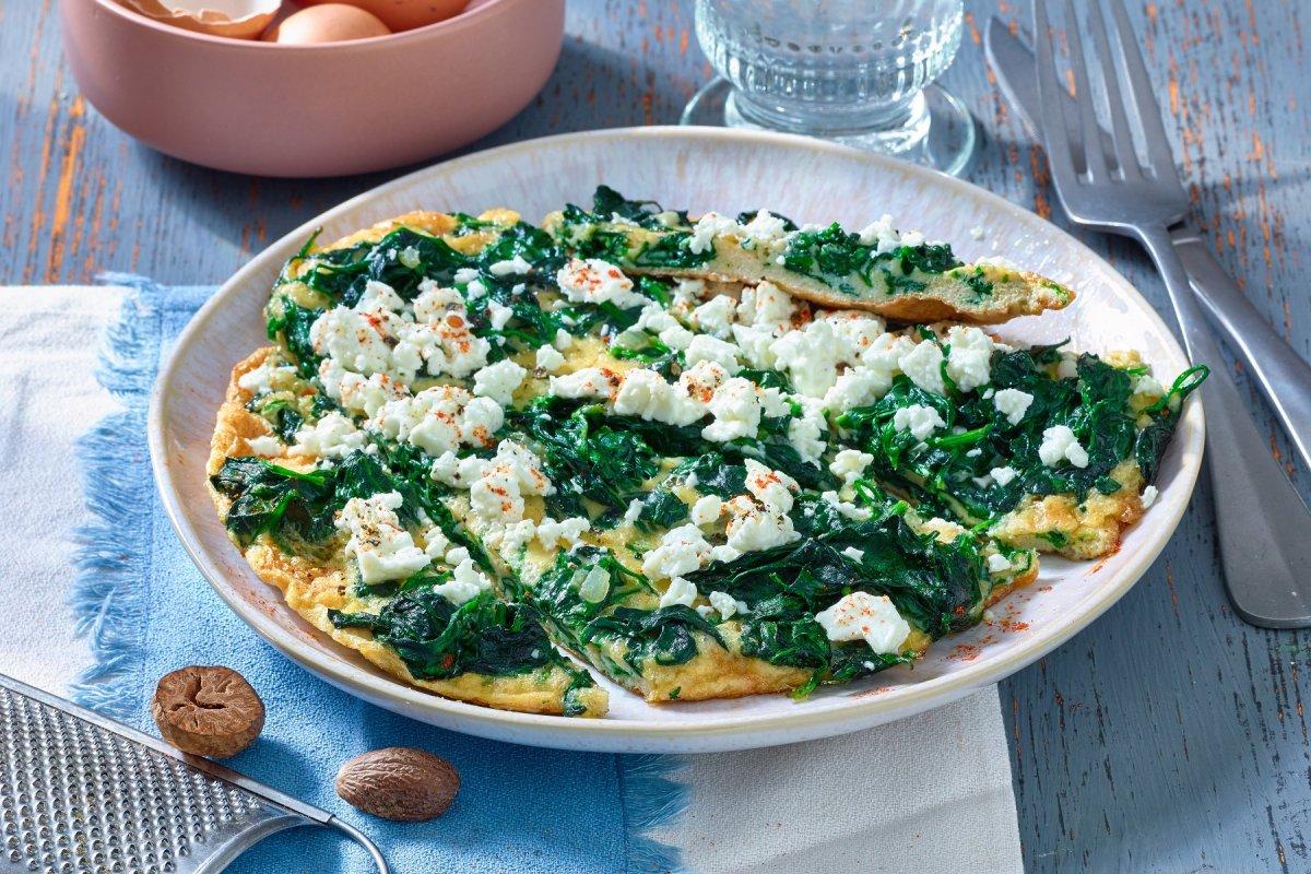 Spinat-Feta-Omelett: Rezept für die Low-Carb-Leckerei