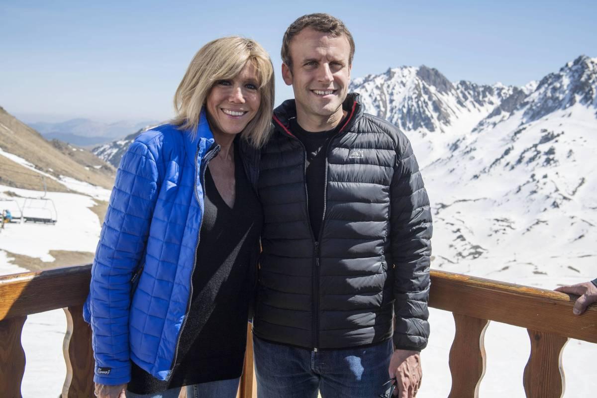 Emmanuel Macron Und Frau In Der Theater Ag Funkte Es Bildderfrau De