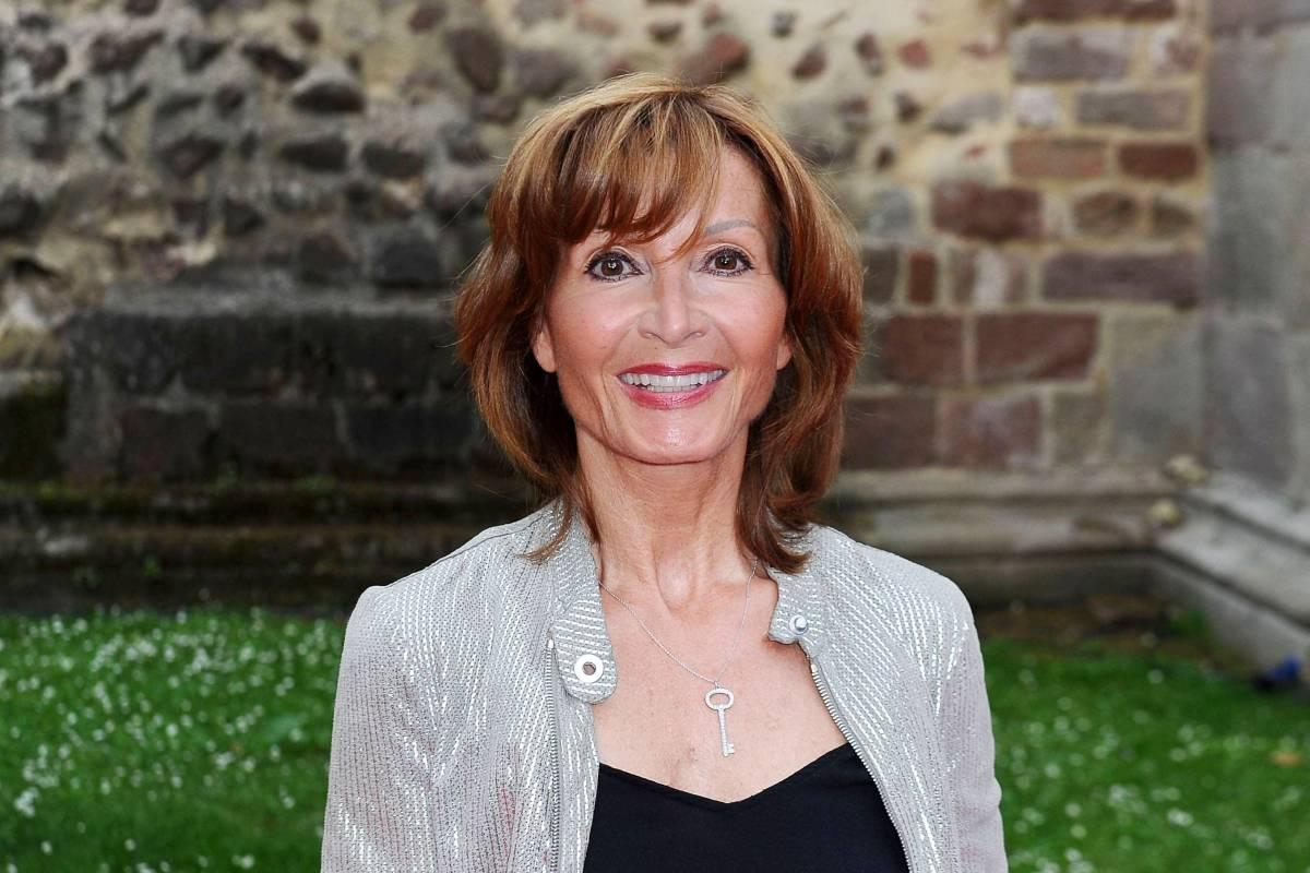 Susanne Uhlen Heute Nach Brustkrebs Einsatz Fur Tierschutz