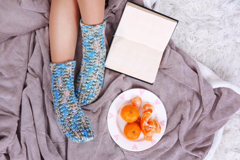 Warme Socken stricken – einfache Anleitung - Bild der Frau