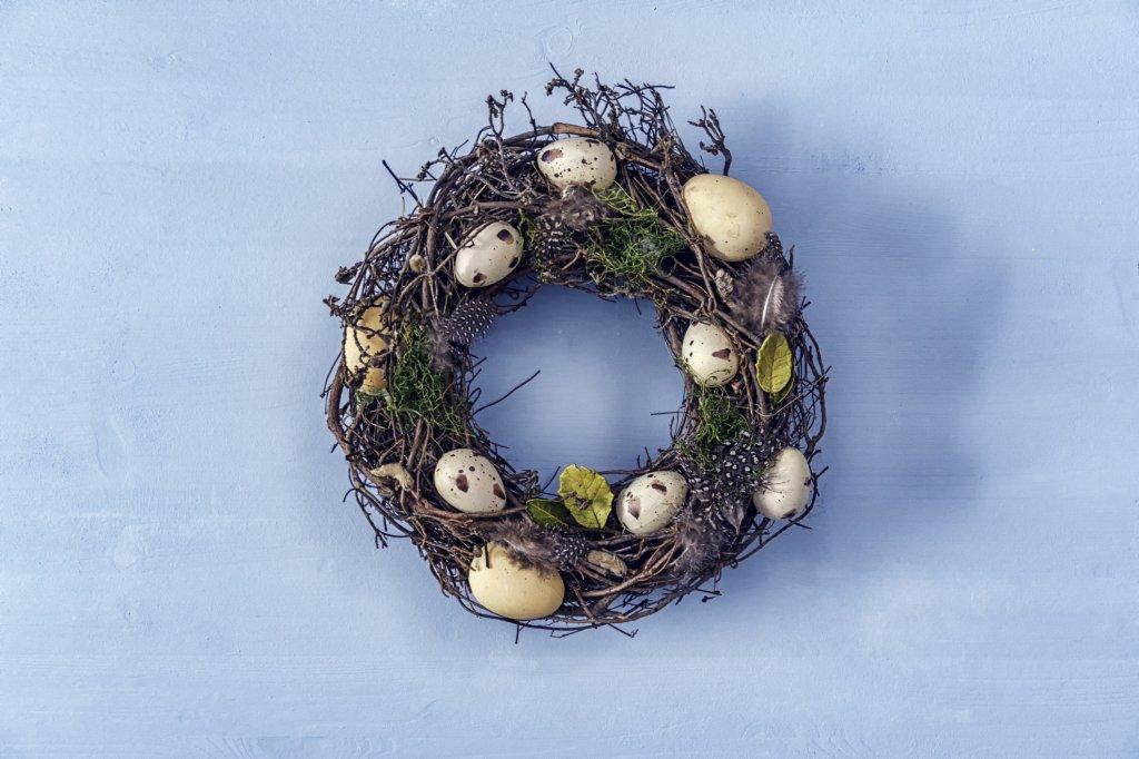 Wunderschönen Osterkranz basteln – 3 einfach Anleitungen - Bild der Frau