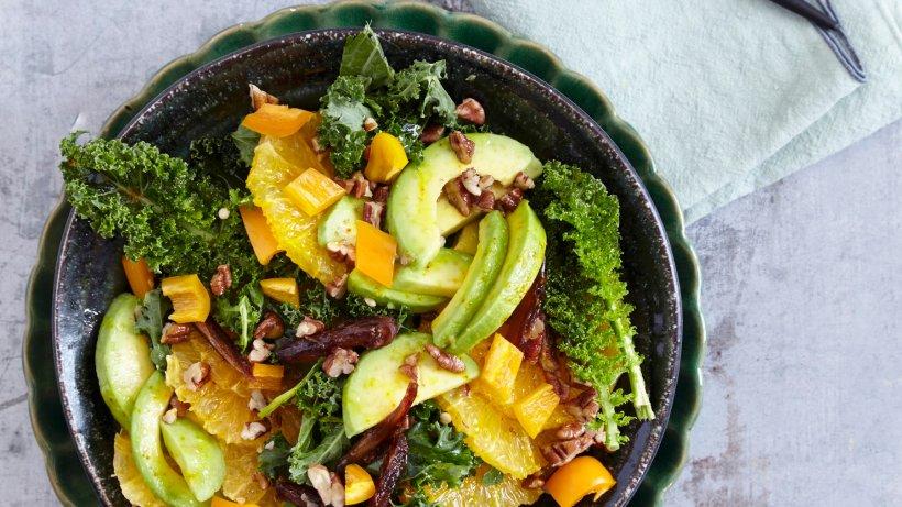 Avocado-Orangen-Salat mit Datteln