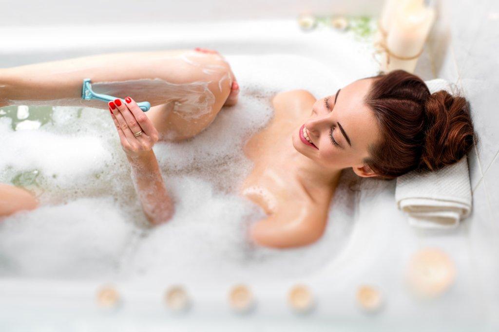 Wie Sie Ihre Schamgegend für Frauen rasieren