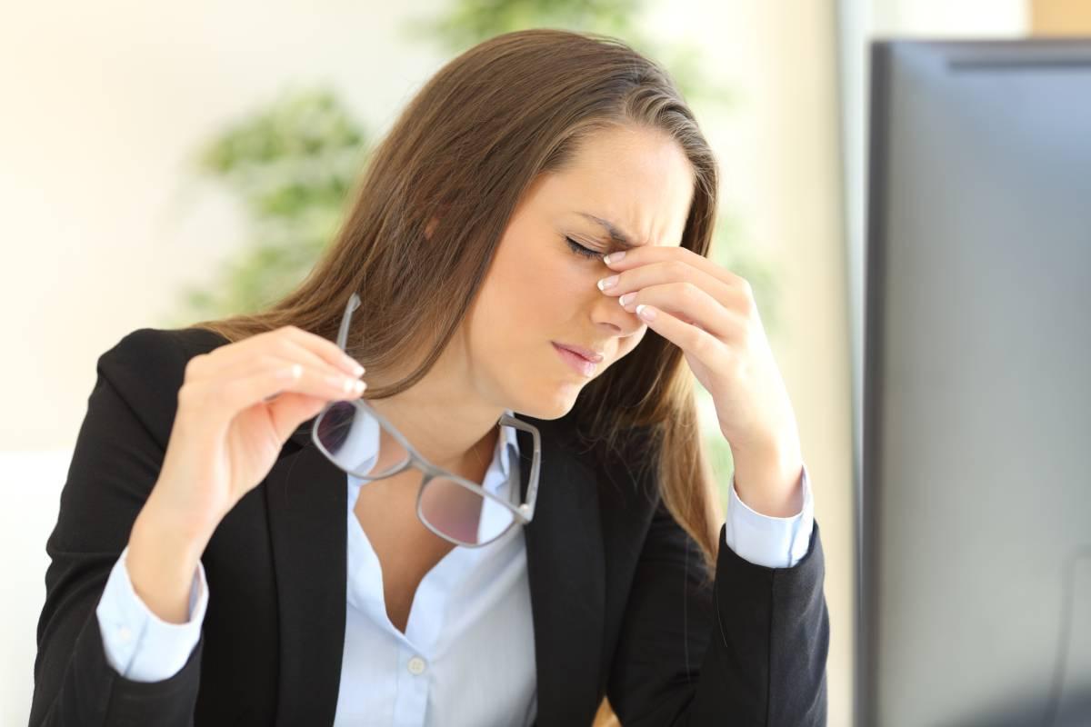 Augenzucken Haufigste Ursachen Was Dagegen Hilft Bildderfrau De