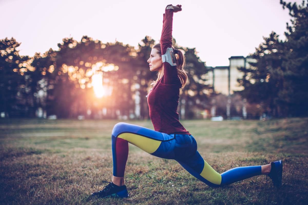 Nehmen Sie ab, indem Sie 20 Minuten Yoga joggen