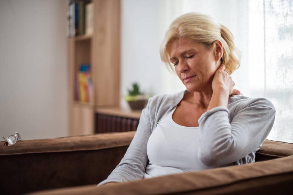 10 übungen Gegen Kopfschmerzen Migräne Bildderfraude