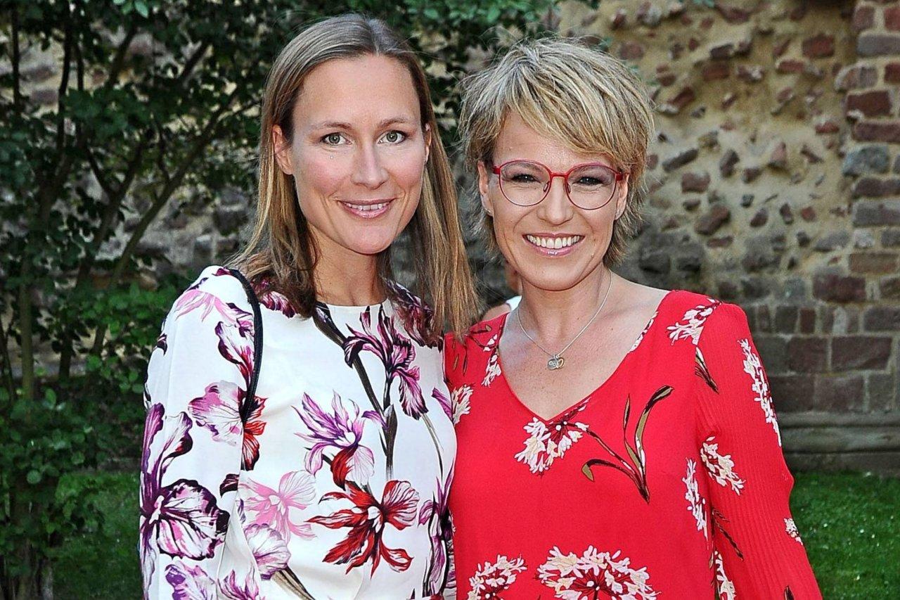 Andrea Ballschuh & Fabienne Bill erzählen von ihrem Schlüssel zum gesunden Leben, zuckerfrei leben, und ihren Erfahrungen mit dem Mikronährstoffkonzentrat LaVita.