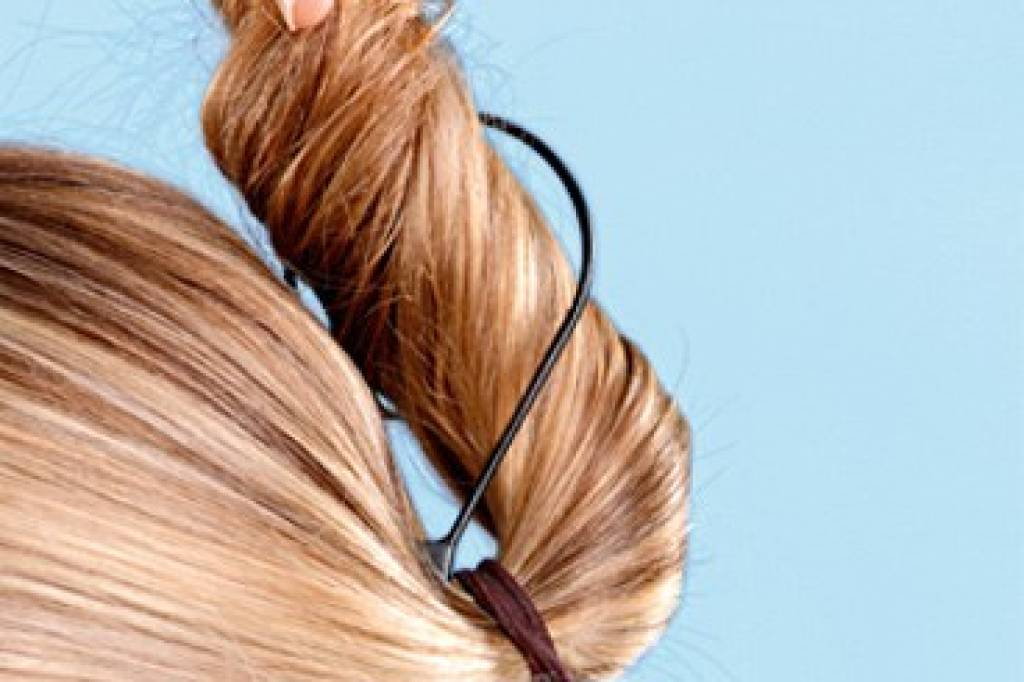 Der Twister Formt Den Knoten Bildderfraude