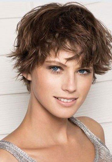 Kurzhaarschnitt Locken Frauen Moderne Frisuren