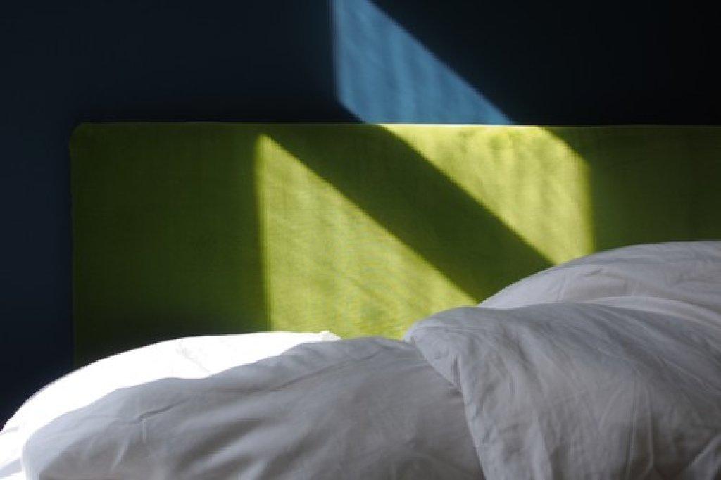 DIY: So Basteln Sie Sich Ein Superweiches Kopfteil Fürs Bett   Bild Der Frau