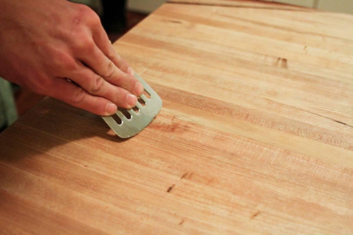 Holz lebensmittelecht behandeln – So versiegelst du