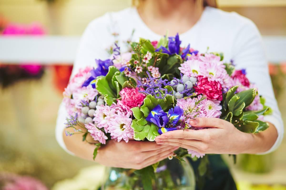 So Bleiben Ihre Blumensträuße Länger Frisch Bildderfraude