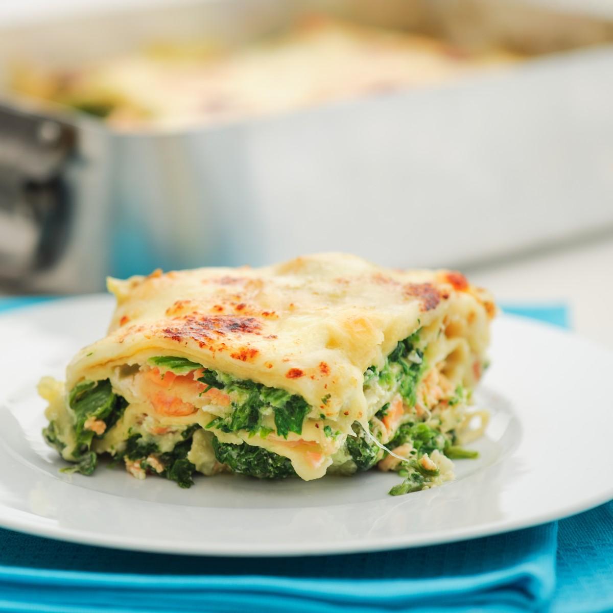 Fixe Lachs Spinat Lasagne mit cremigem Feta