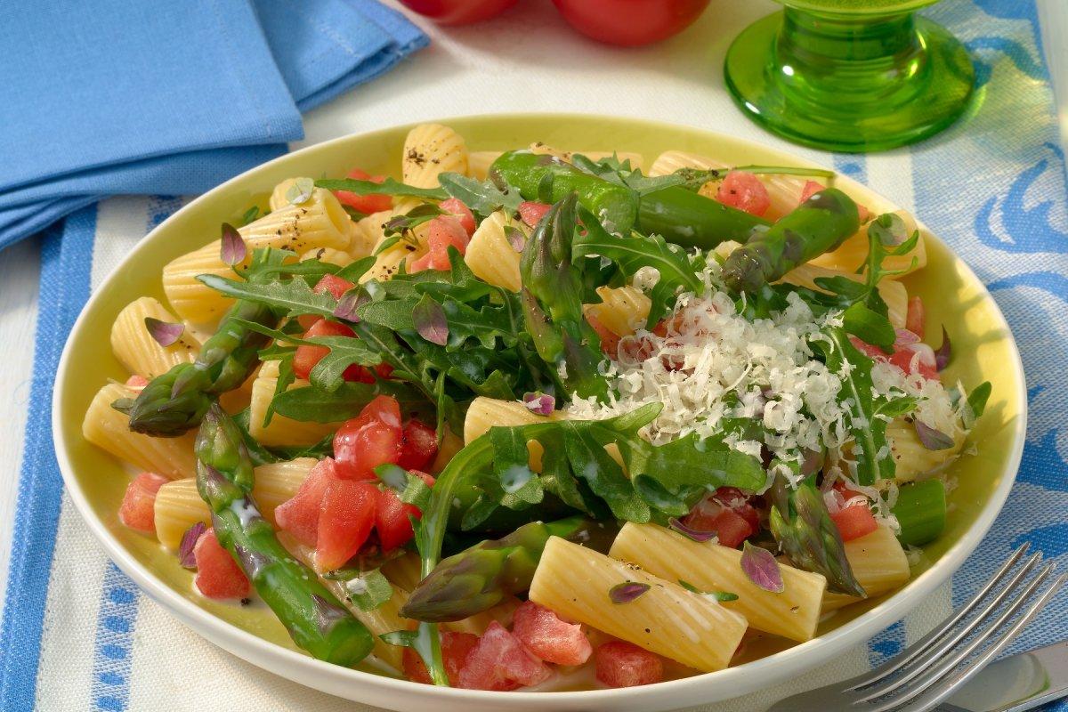 Pasta mit grünem Spargel – der saisonale Liebling