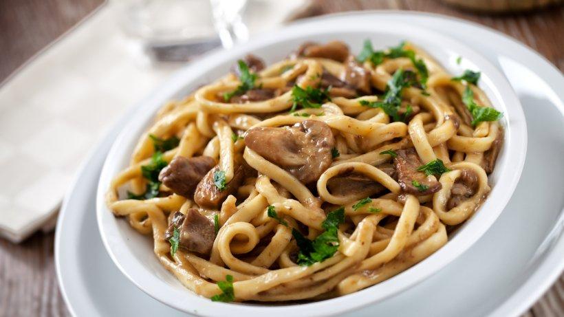 Aromatische Bärlauch-Spaghetti mit Champignons