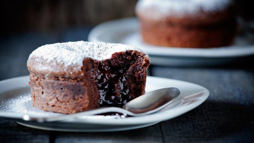 Saftiger Schokoladenkuchen mit flüssigem Kern