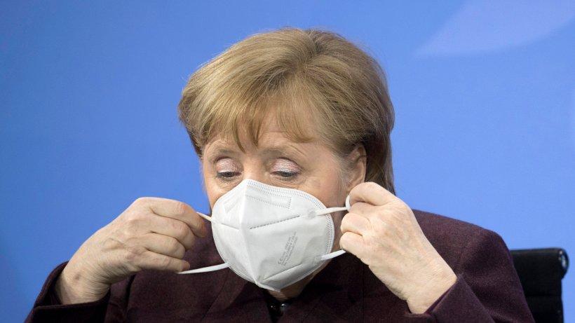 Corona-Impfung: Angela Merkel stellt sich hinten an