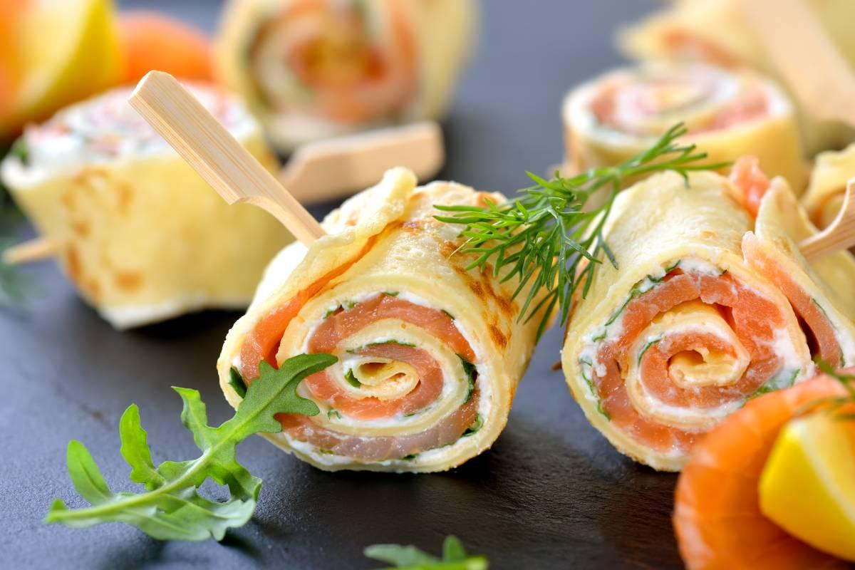Pfannkuchen Röllchen Mit Lachs Und Frischkäse Bildderfraude