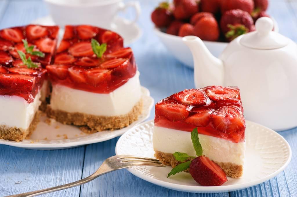 Erdbeer Mascarpone Torte Frisch Und Fruchtig Bildderfrau De