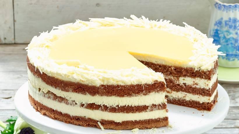 Weisse Schokoladen Eierlikor Torte Einfaches Und Schnelles Rezept