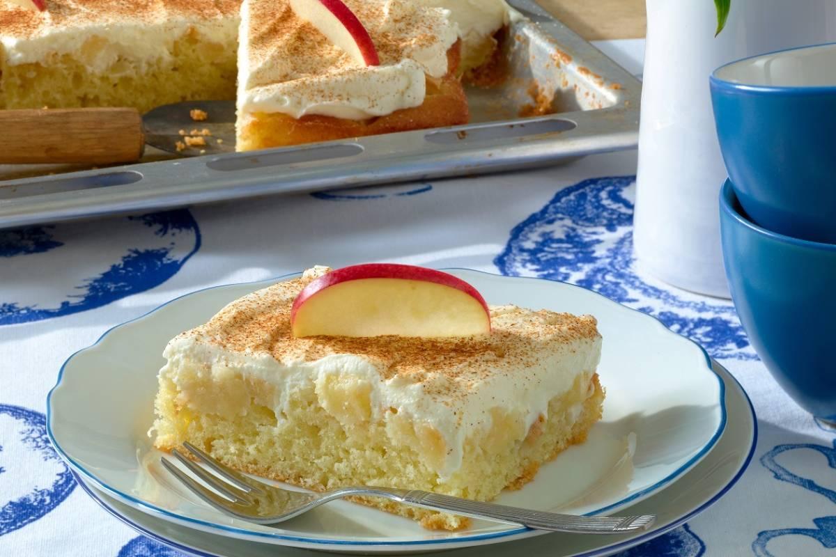 Apfelkuchen Mit Schmandhaube Rezept Fur Apfelkuchen Vom Blech