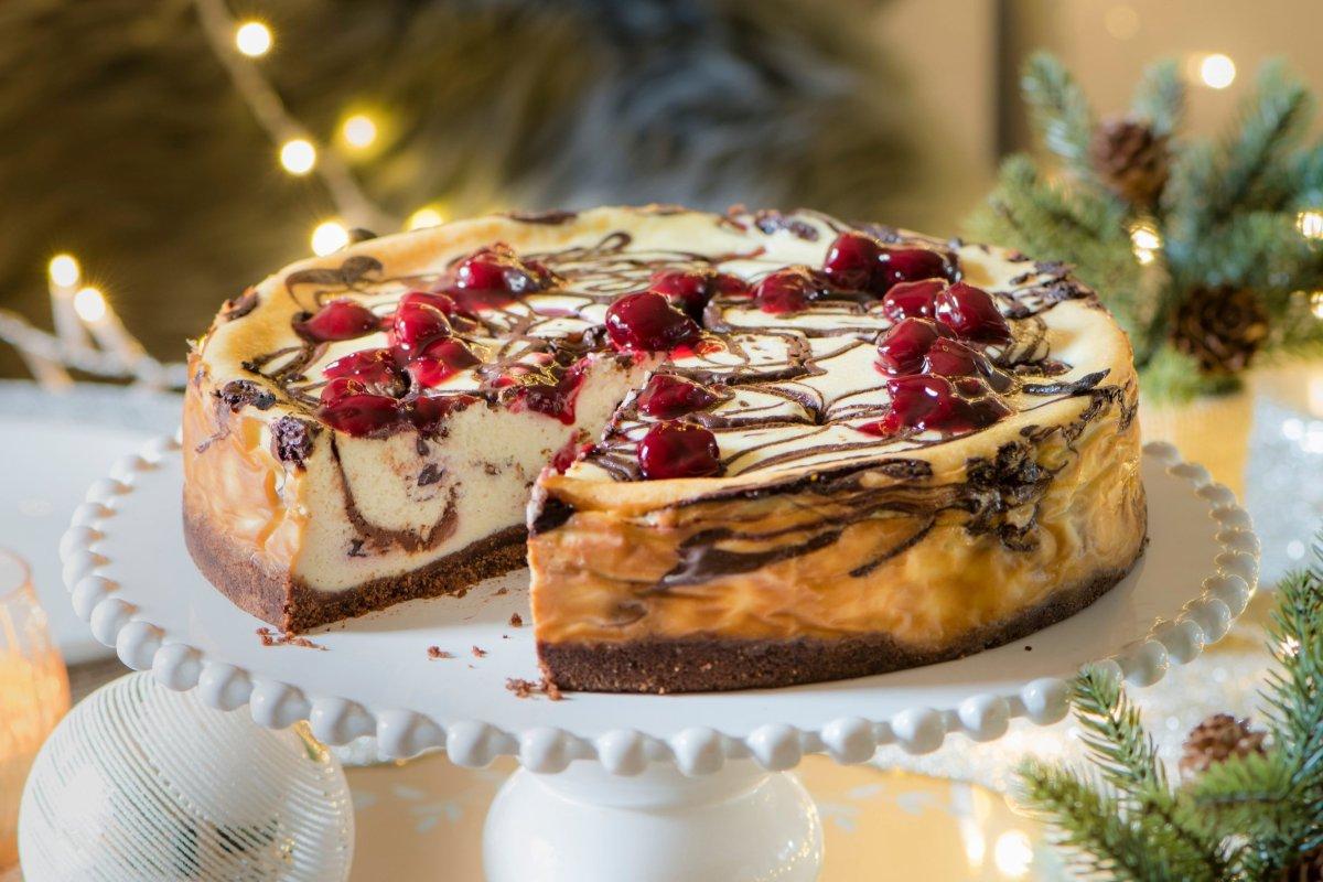 Schokoladen-Sauerkirsch-Käsekuchen: Rezept für festliche Tage