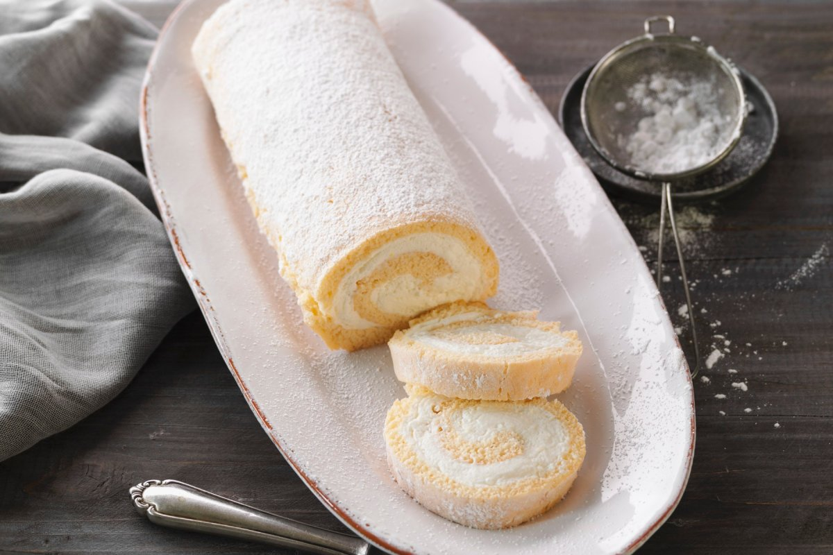 Rezept für Biskuitroulade mit Zitronenquark