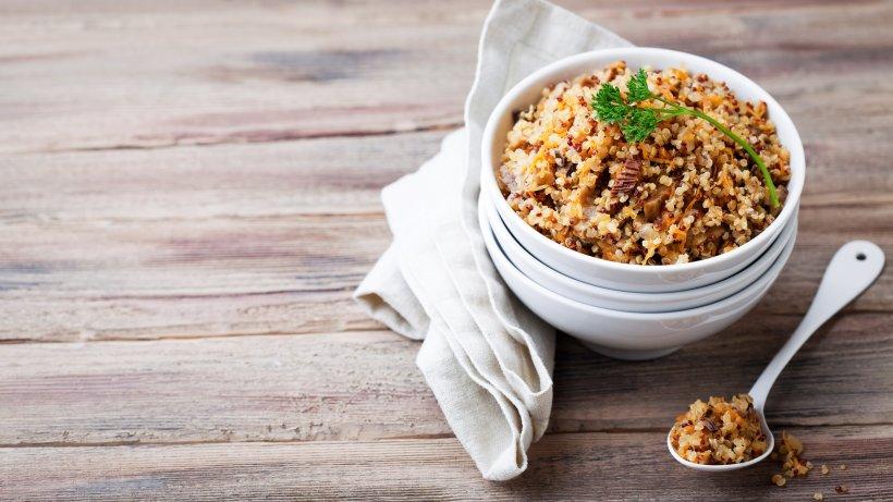schnell und einfach quinoa risotto mit champignons bild der frau. Black Bedroom Furniture Sets. Home Design Ideas