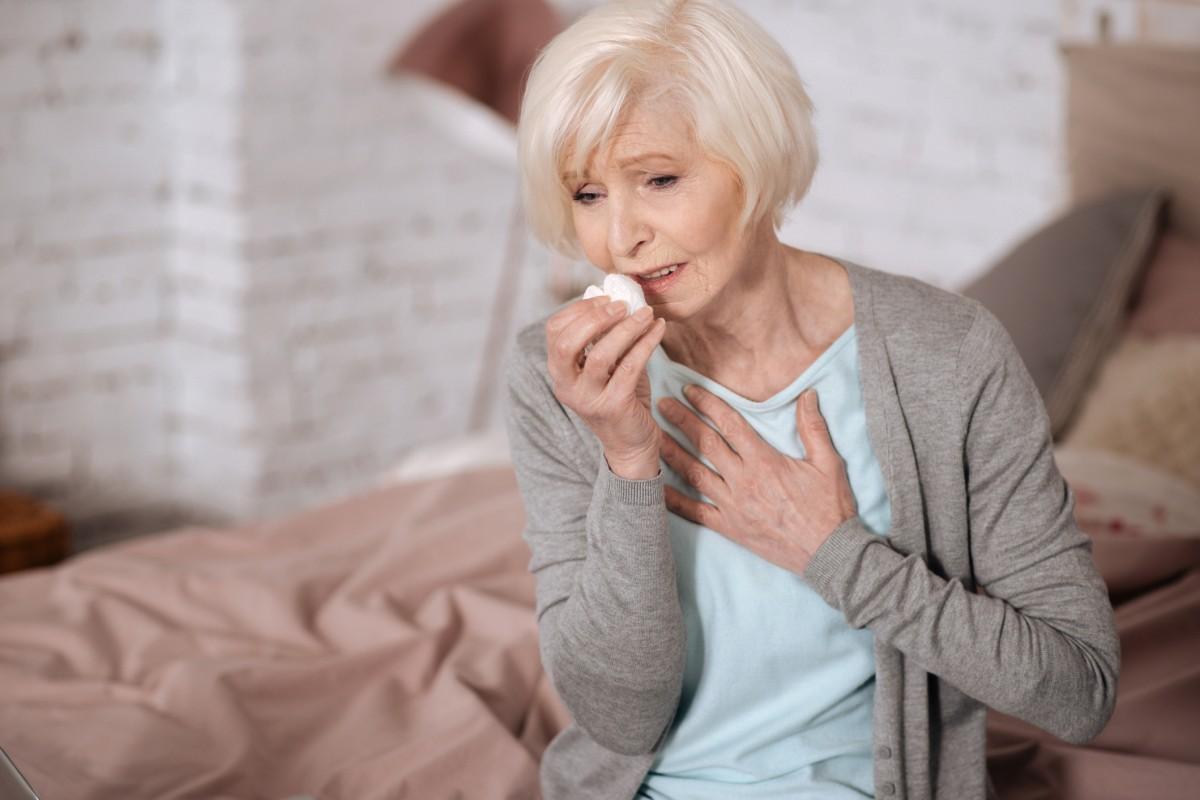 COPD-Symptome • 4 wichtige Anzeichen des Lungenleidens