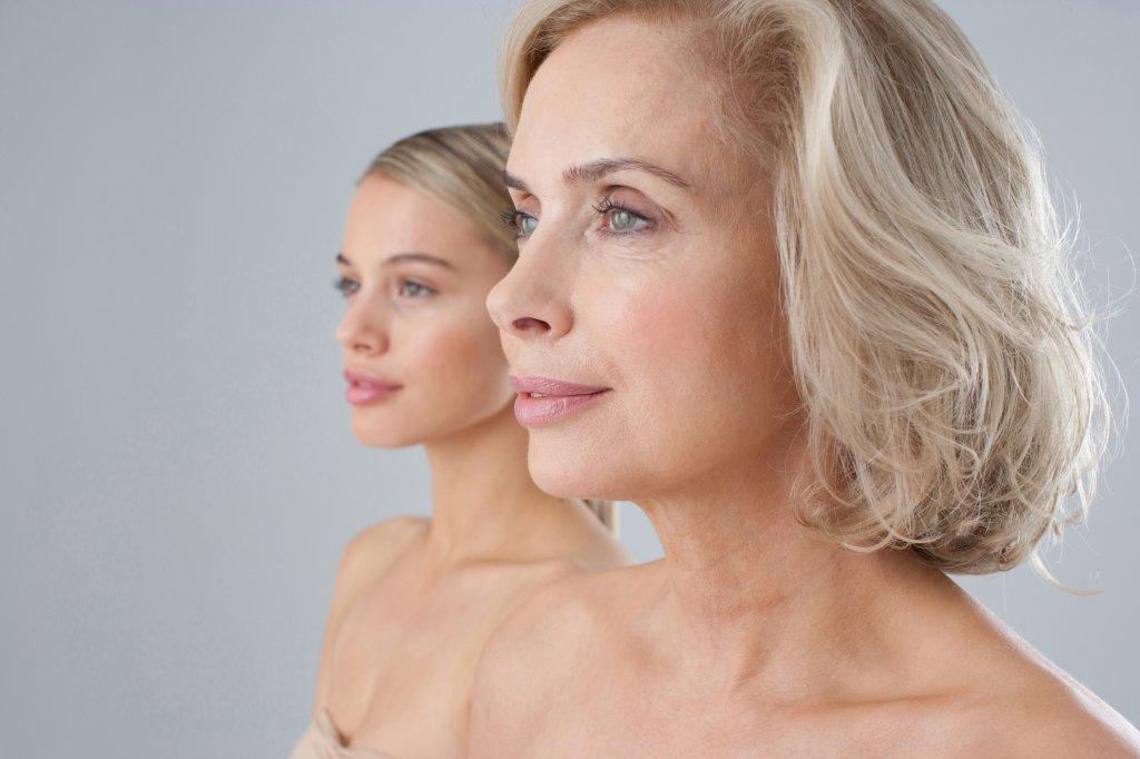 Brust im Alter: So entwickelt sich die Brust ab 35, 40 & 50 - Bild ...