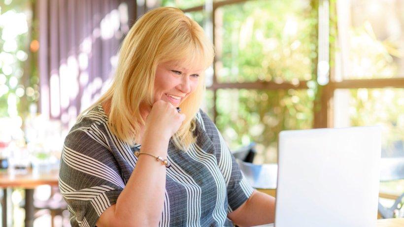 Dating-sites, die online-frau in der suche auflisten