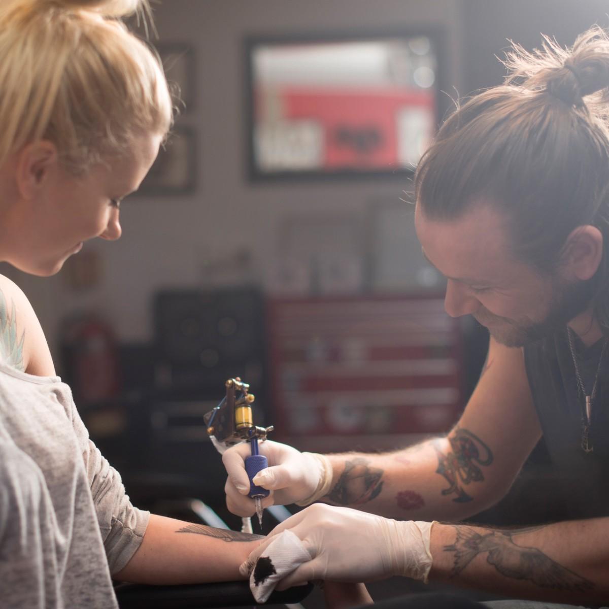 Tattoo frau mit kind 250+ Tattoos