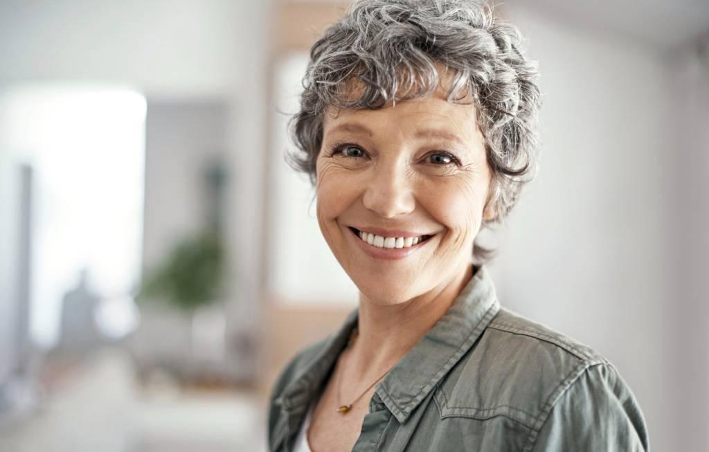 Graue Haare Bloss Nicht Farben Oder Tonen Sie Sind Trend
