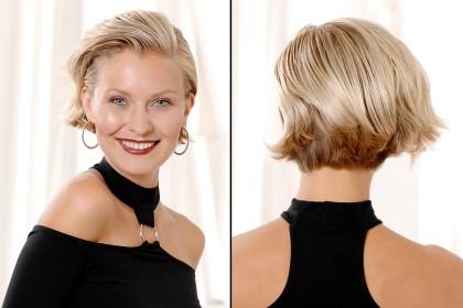 Haare nach hinten stylen
