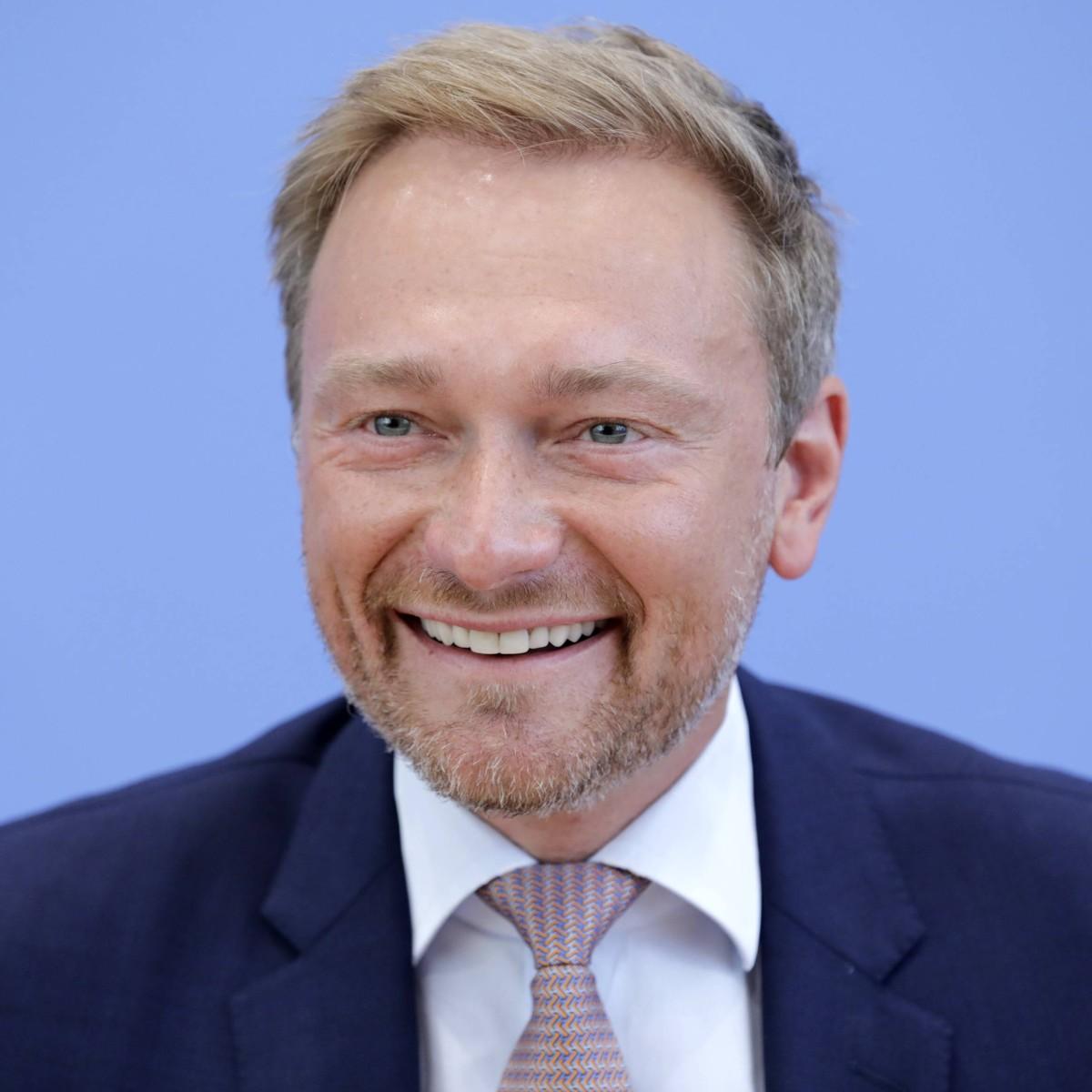 Christian Lindner Und Rtl Reporterin Franca Lehfeldt Sind Ein Paar Bildderfrau De