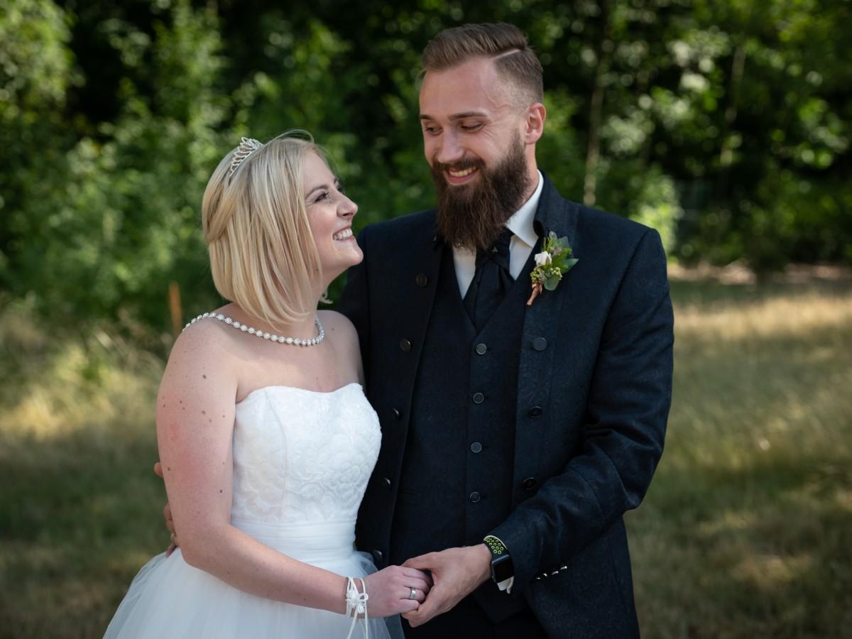 Hochzeit Auf Den Ersten Blick Sind Aron Selina Das Susseste Paar Bildderfrau De