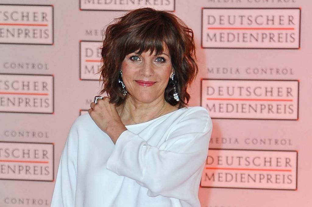 Birgit Schrowange Ich Passte Nicht Mehr In Größe 40 Bildderfraude