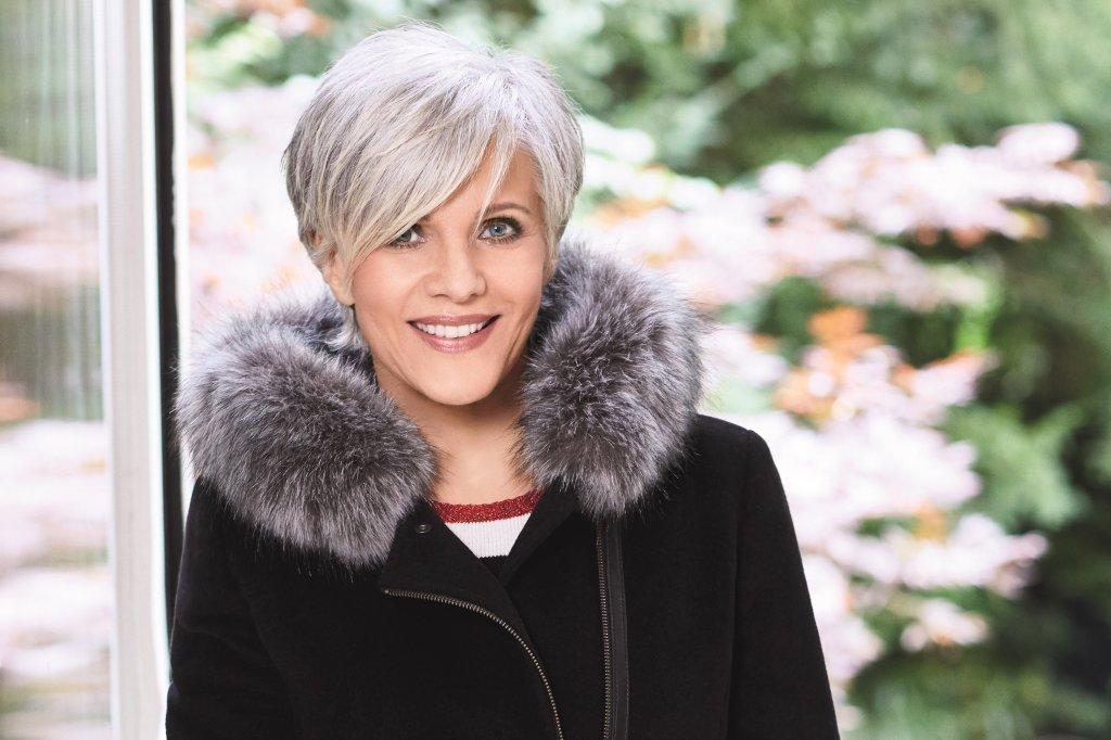 Neue Frisur Birgit Schrowange Moderne Männliche Und Weibliche