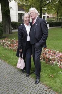 Nonstopnews Trauerfeier Fur Schlagersangerin Hanne Haller