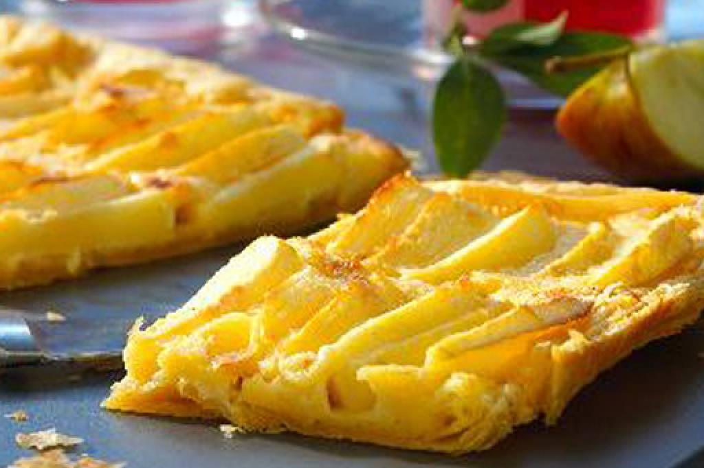 Blatterteig Apfelkuchen Knusprig Und Zart Bildderfrau De
