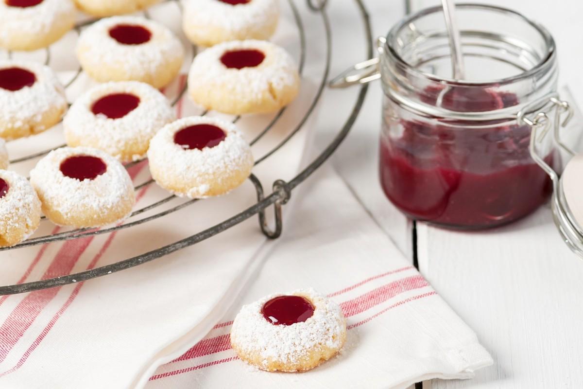 Omas Weihnachtsplätzchen.Weihnachtsplätzchen Mit Marmelade Rezept Für Engelsaugen