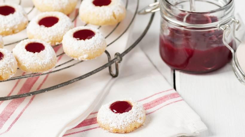 Tolle Weihnachtskekse.Weihnachtsplätzchen Mit Marmelade Rezept Für Engelsaugen