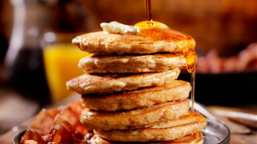 american pancakes rezept mit speck ahornsirup bild der frau. Black Bedroom Furniture Sets. Home Design Ideas