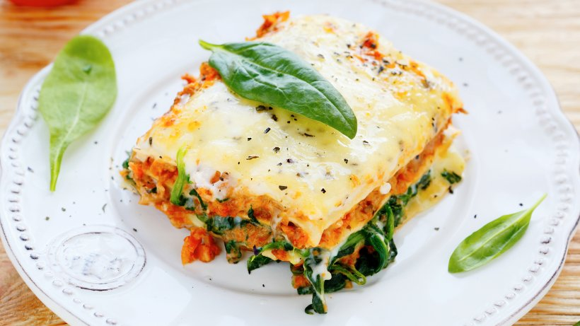 einfaches rezept f r spinat lachs lasagne mit frischk se bild der frau. Black Bedroom Furniture Sets. Home Design Ideas